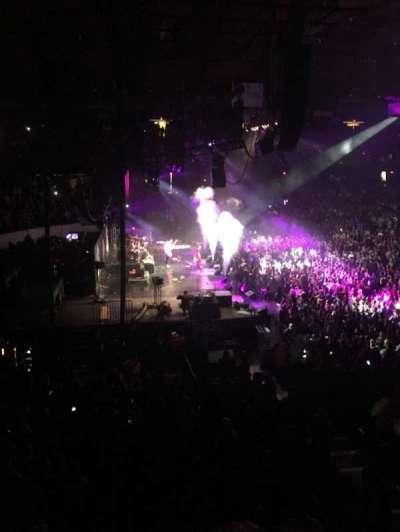 Allstate Arena, Abschnitt: 204, Reihe: b, Platz: 8