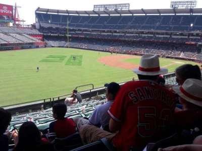 Angel Stadium, Abschnitt: C306, Reihe: H, Platz: 10