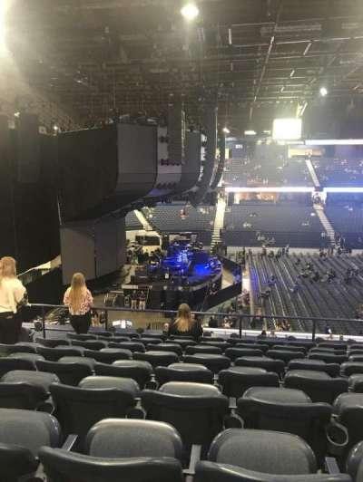 Allstate Arena, Abschnitt: 203, Reihe: J, Platz: 28