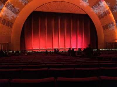 Radio City Music Hall, Abschnitt: Orchestra 5, Reihe: F, Platz: 506