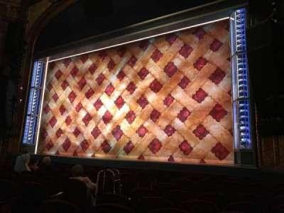 Brooks Atkinson Theatre, Abschnitt: Orchestra Right, Reihe: H, Platz: 10