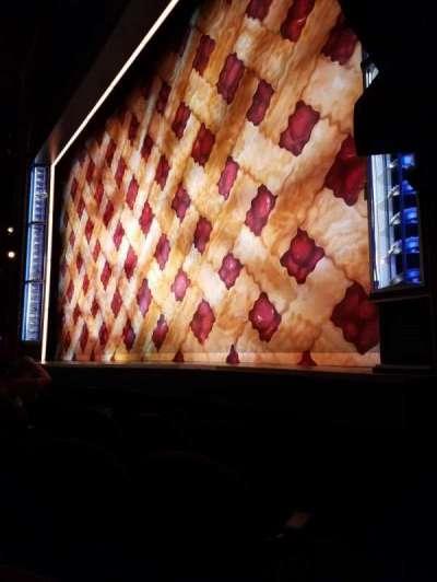 Brooks Atkinson Theatre, Abschnitt: Orch-R, Reihe: B, Platz: 14