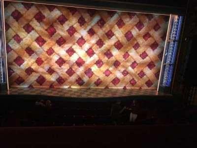 Brooks Atkinson Theatre, Abschnitt: MEZZ, Reihe: A, Platz: 105