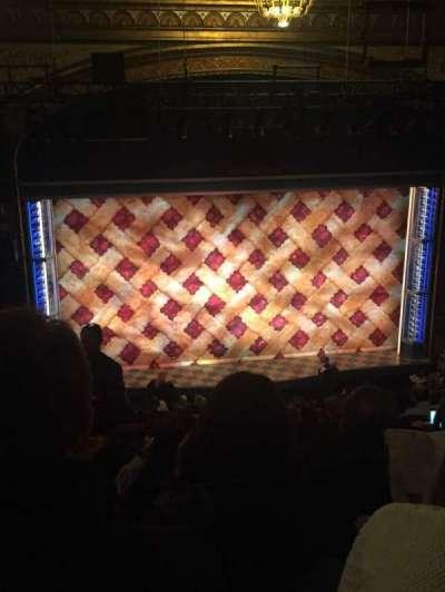 Brooks Atkinson Theatre, Abschnitt: Mezzanine, Reihe: J, Platz: 122