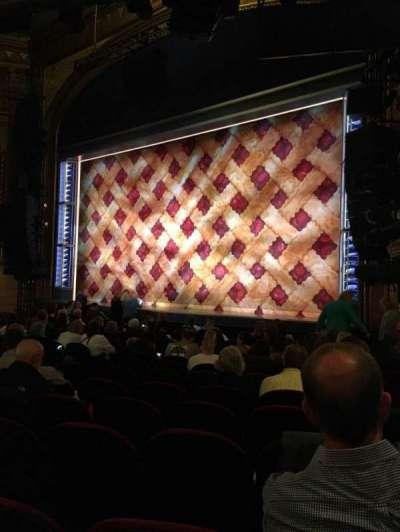 Brooks Atkinson Theatre, Abschnitt: Orchestra, Reihe: M, Platz: 22