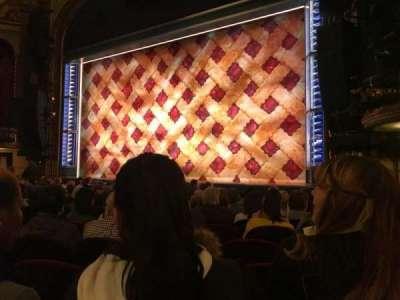 Brooks Atkinson Theatre, Abschnitt: Orchestra, Reihe: K, Platz: 14