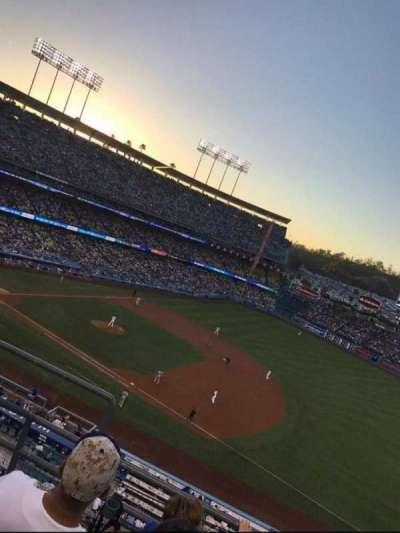 Dodger Stadium, Abschnitt: 28RS, Reihe: D, Platz: 1 2 3