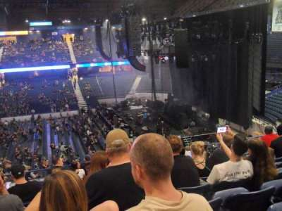 Allstate Arena, Abschnitt: 210, Reihe: L, Platz: 12