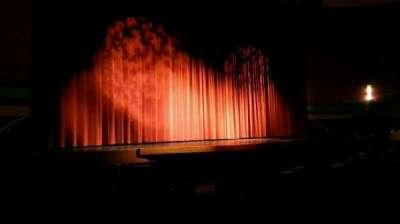 Landis Theater, Abschnitt: orchestra left, Reihe: j, Platz: 17