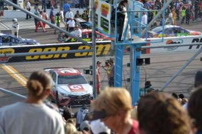 ISM Raceway, Abschnitt: AA, Reihe: 18, Platz: 8