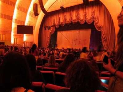 Radio City Music Hall, Abschnitt: Orchestra 2, Reihe: A, Platz: 205