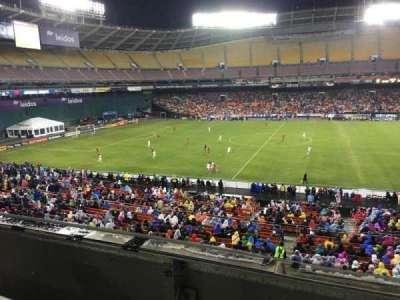 RFK Stadium, Abschnitt: M35, Reihe: 1, Platz: 8