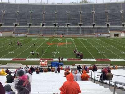 Lane Stadium, Abschnitt: 12, Reihe: MM, Platz: 3