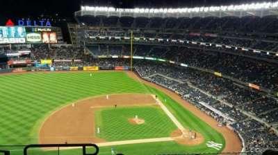 Yankee Stadium, Abschnitt: 424, Reihe: 6, Platz: 19