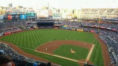 Yankee Stadium, Abschnitt: 422, Reihe: 6, Platz: 1