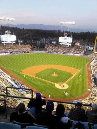 Dodger Stadium, Abschnitt: 5td, Reihe: E, Platz: 17