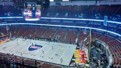 Honda Center, Abschnitt: 430, Reihe: M, Platz: 8