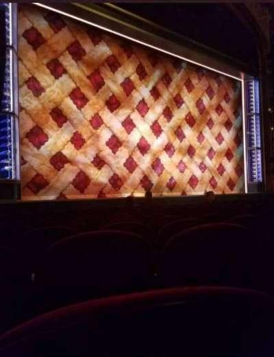 Brooks Atkinson Theatre, Abschnitt: Orchestra, Reihe: H, Platz: 13