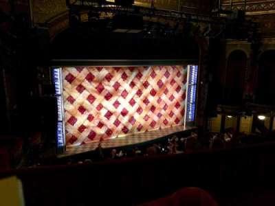 Brooks Atkinson Theatre, Abschnitt: Mezz, Reihe: E, Platz: 01