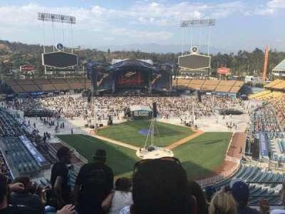Dodger Stadium, Abschnitt: 3rs, Reihe: H, Platz: 6