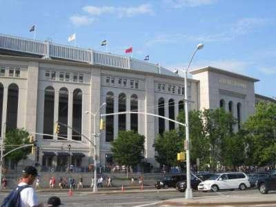 Yankee Stadium, Abschnitt: exterior