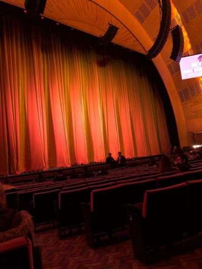 Radio City Music Hall, Abschnitt: Orchestra 6, Reihe: OO, Platz: 601