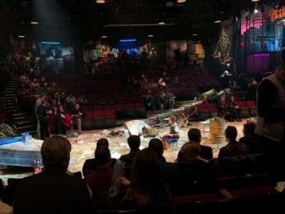 Circle in the Square Theatre, Reihe: D, Platz: 220