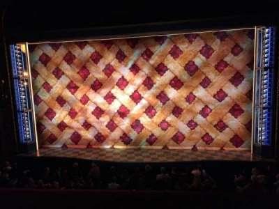 Brooks Atkinson Theatre, Abschnitt: Mezzanine Center, Reihe: A, Platz: 111