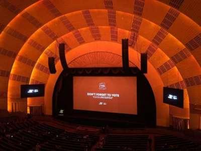 Radio City Music Hall, Abschnitt: 2nd Mezzanine 2, Reihe: A, Platz: 211