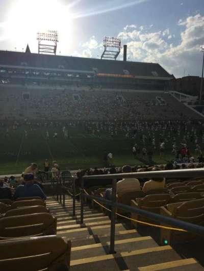 Bobby Dodd Stadium, Abschnitt: CL-4, Reihe: 23, Platz: 22