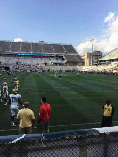 Bobby Dodd Stadium, Abschnitt: 135, Reihe: 4, Platz: 21