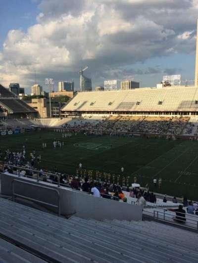 Bobby Dodd Stadium, Abschnitt: 102, Reihe: 44, Platz: 13