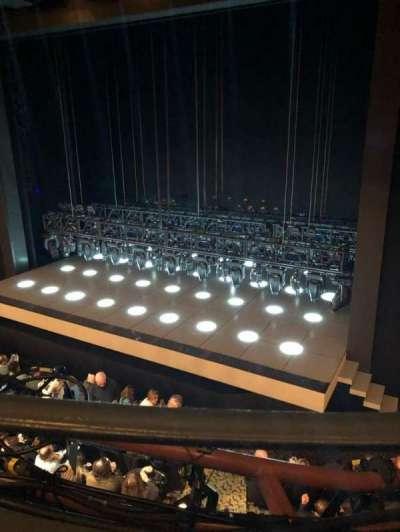 Lunt-Fontanne Theatre, Abschnitt: Mezz, Reihe: A, Platz: 10