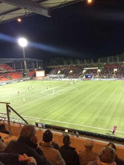 Stade Du Moustoir, Abschnitt: Tribune J.Floch 16, Reihe: ZA, Platz: 180