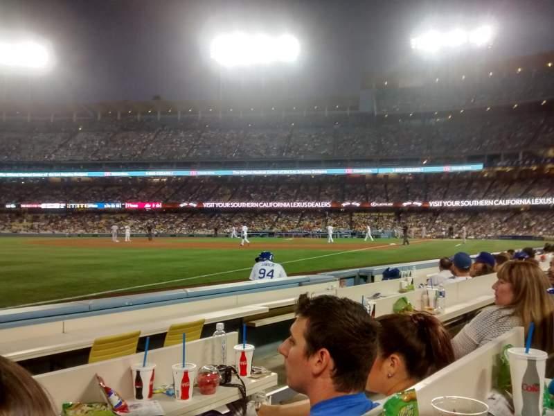 Dodger Stadium, Abschnitt: 41BL, Reihe: 4, Platz: 3-4