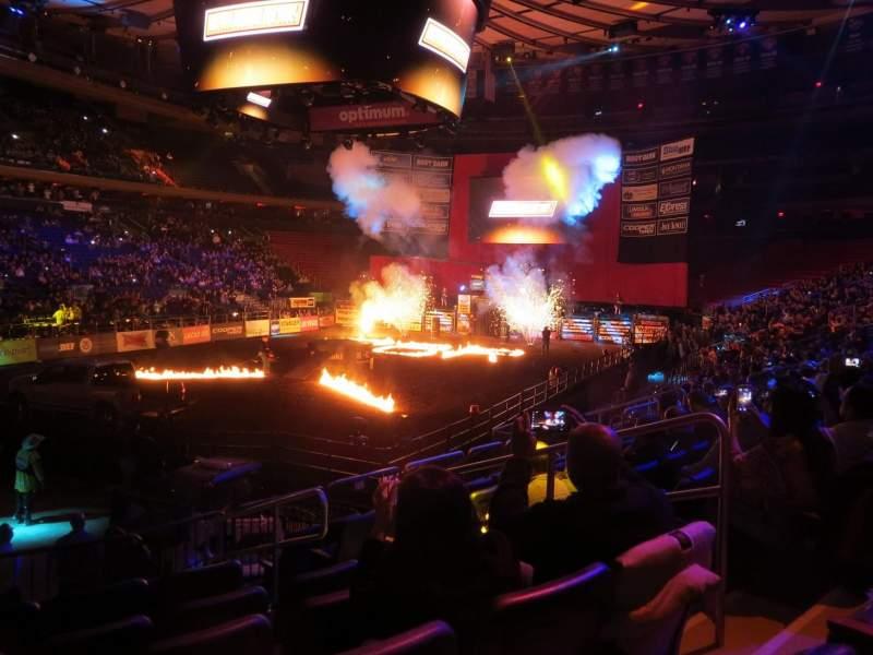 Madison Square Garden, Abschnitt: 104, Reihe: 10, Platz: 14
