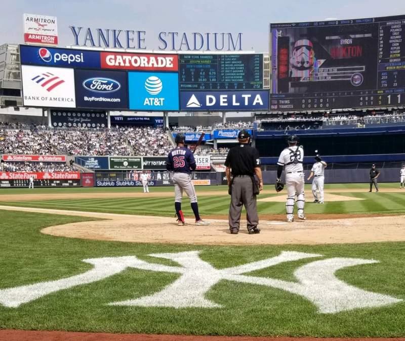 Sitzplatz-Aussicht für Yankee Stadium Abschnitt 019 Reihe 1 Platz 3,4