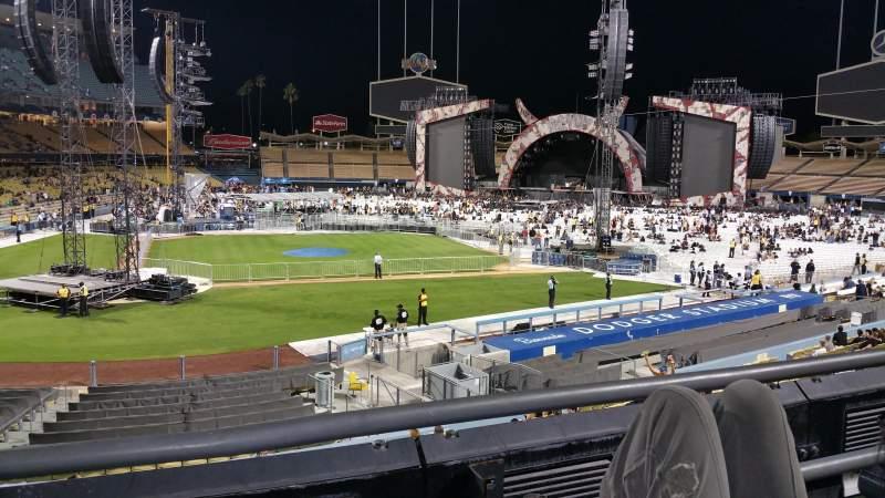 Dodger Stadium, Abschnitt: 122lg, Reihe: B, Platz: 2