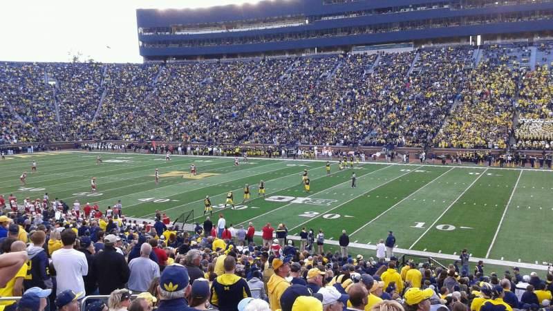 Sitzplatz-Aussicht für Michigan Stadium Abschnitt 42 Reihe 35 Platz 24
