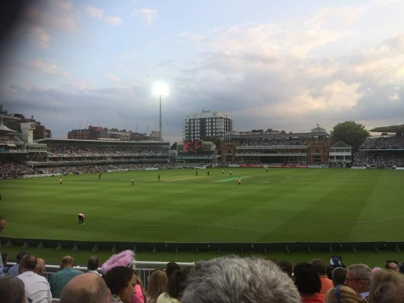 Sitzplatz-Aussicht für Lord's Cricket Ground Abschnitt Crompton Upper Stand Block 17 Reihe J Platz 87