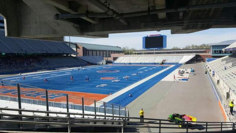 Albertsons Stadium, Abschnitt: 29, Reihe: V, Platz: 7