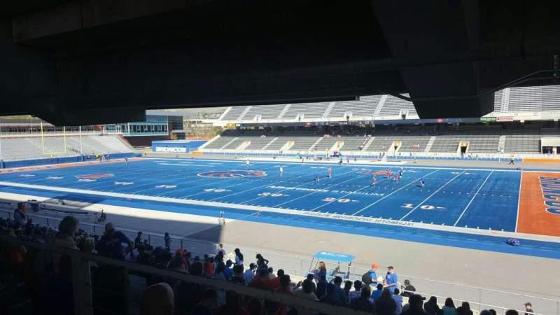 Albertsons Stadium, Abschnitt: 6, Reihe: W, Platz: 5