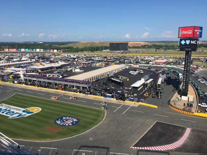 Charlotte Motor Speedway, Abschnitt: Ford Upper Deck, Reihe: 51, Platz: 25