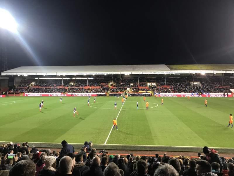 Sitzplatz-Aussicht für Pittodrie Stadium Abschnitt South Stand Area T Reihe T Platz 127