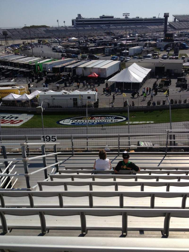 Dover International Speedway, Abschnitt: 195, Reihe: 9, Platz: 6