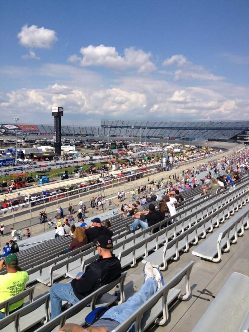 Dover International Speedway, Abschnitt: 111, Reihe: 42, Platz: 7