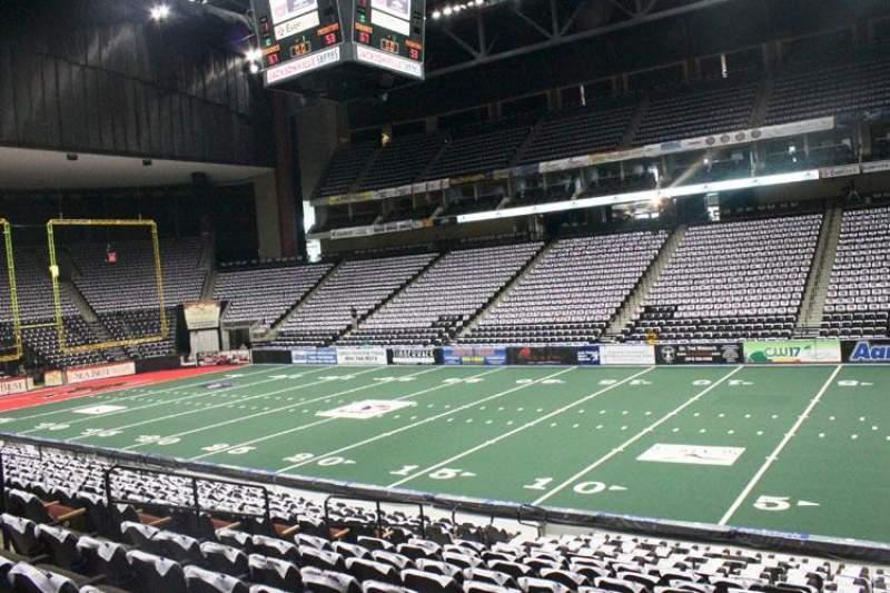 Sitzplatz-Aussicht für Jacksonville Veterans Memorial Arena Abschnitt 112 Reihe R Platz 5