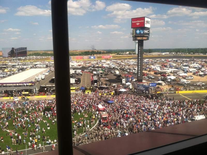 Charlotte Motor Speedway, Abschnitt: Suite 140, Reihe: 1, Platz: 13