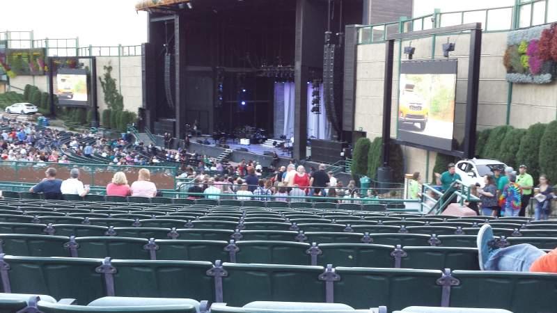Fiddler's Green Amphitheatre, Abschnitt: 201, Reihe: P, Platz: 208