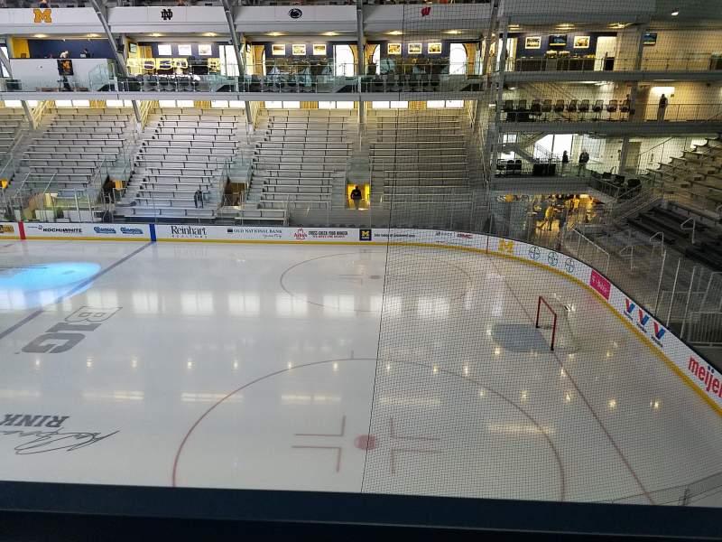 Yost Ice Arena, Abschnitt: 212, Reihe: A, Platz: 10